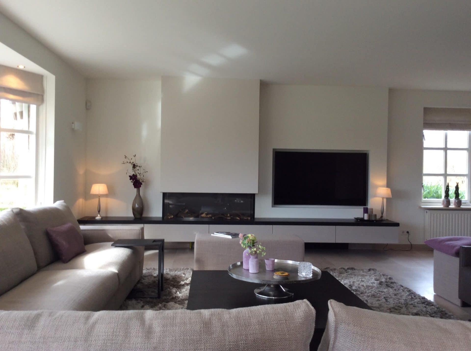 Centrale zitplek bij haard en tv