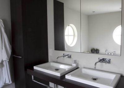 Badkamer ouders wastafels en kast in meubel maatwerk
