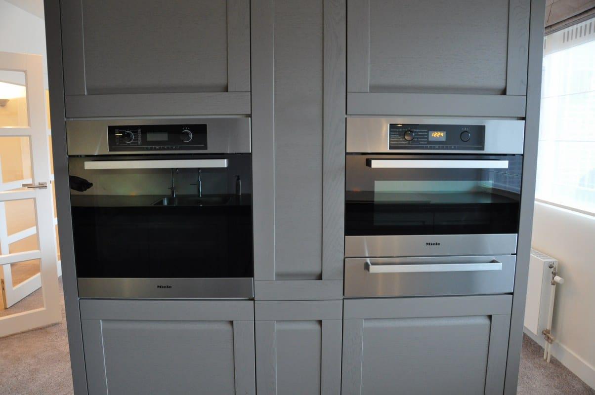 Keukenkasten als separatiewand met woonkamer kopie