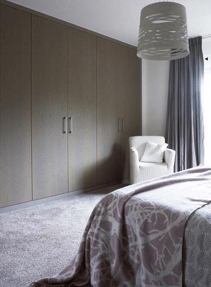 Slaapkamer met maatwerk kastenwand. kopie 3