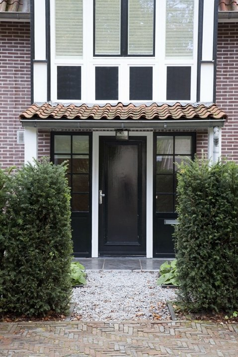 Voortuin bij vrijstaande villa Hilversum