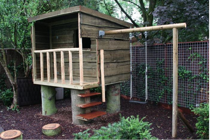Speelhuis in nieuwe tuin
